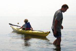 Sidst vi havde chance for at forsøge os som kajakroere, var ved indvielsen af kystsikringen i august 2005. Nu er det tid til en opfriskning. Foto: Peter Jessen
