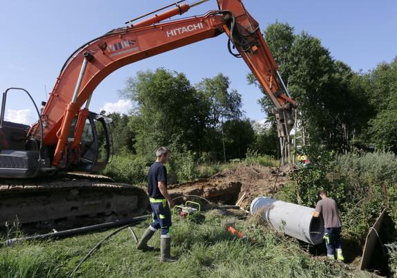 Renoveringen af rørbroen på Havtjørnevej i august sidste år kostede grundejerforeningen 40.000 kroner. Foto: Peter Jessen